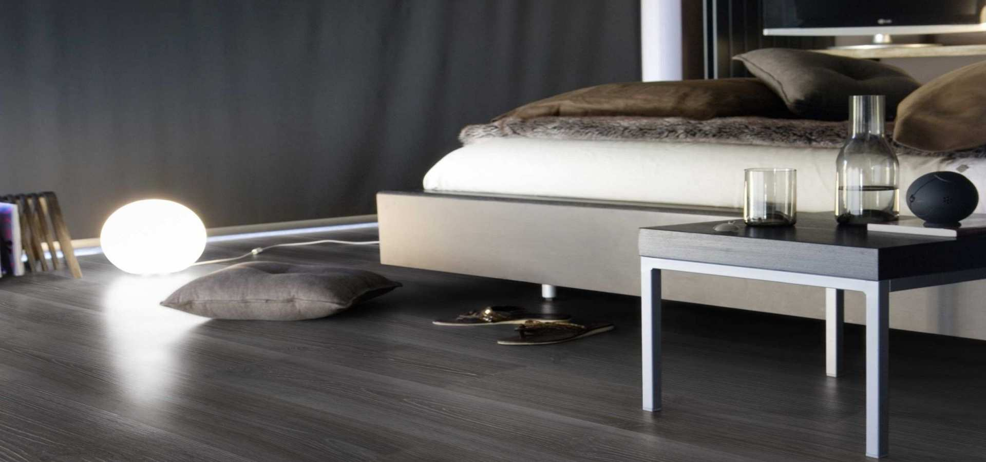 Bild Schlafzimmer CV Belag Holzdesign grigio