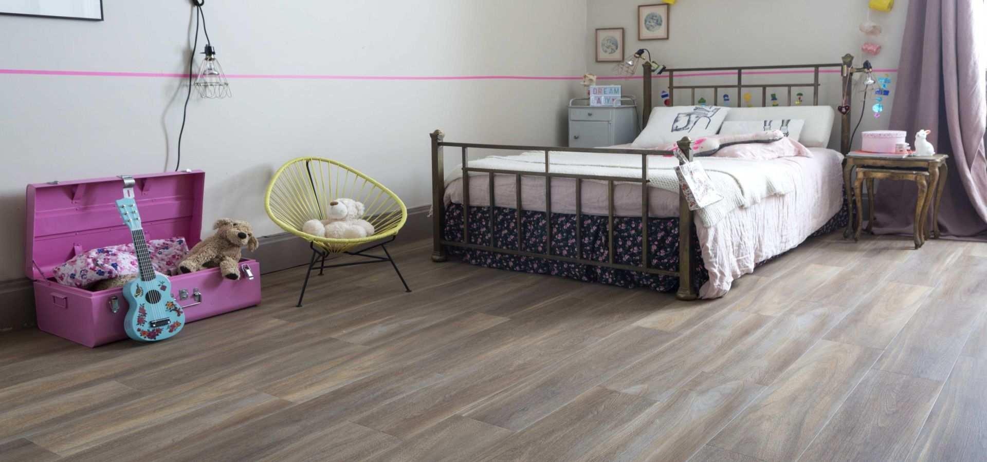 Bild Schlafzimmer CV Belag Holzdesign natural