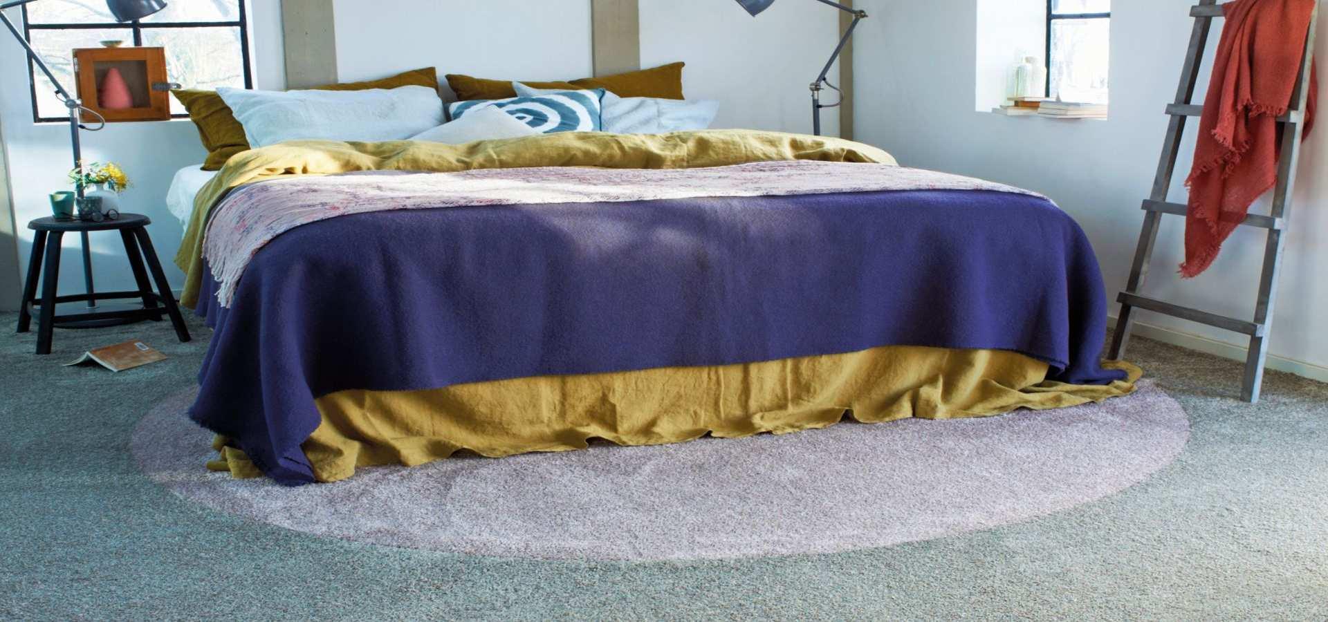 Schlafzimmer Teppichboden Soft lila türkis