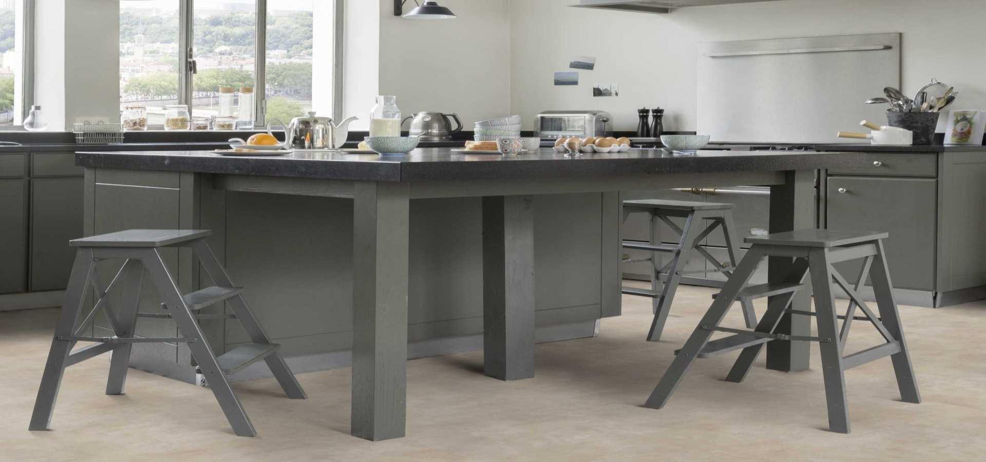 Bild Küche CV Belag Marmor beige