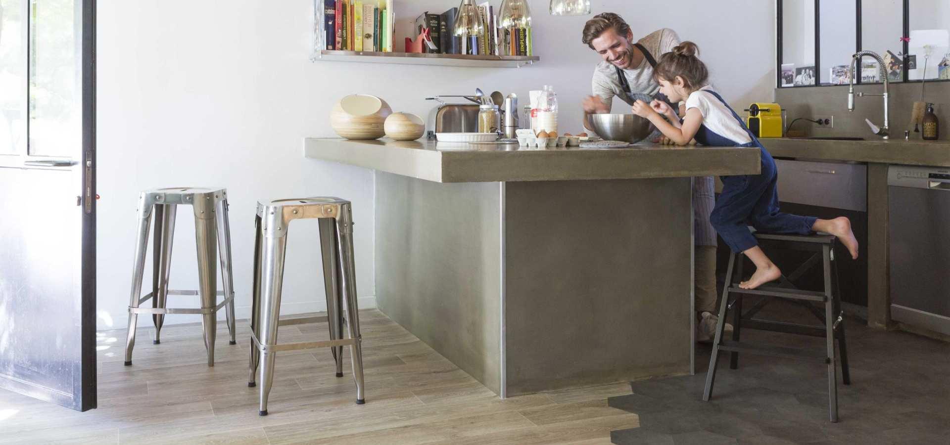Bild Küche CV Belag Holz und Fliese kombiniert