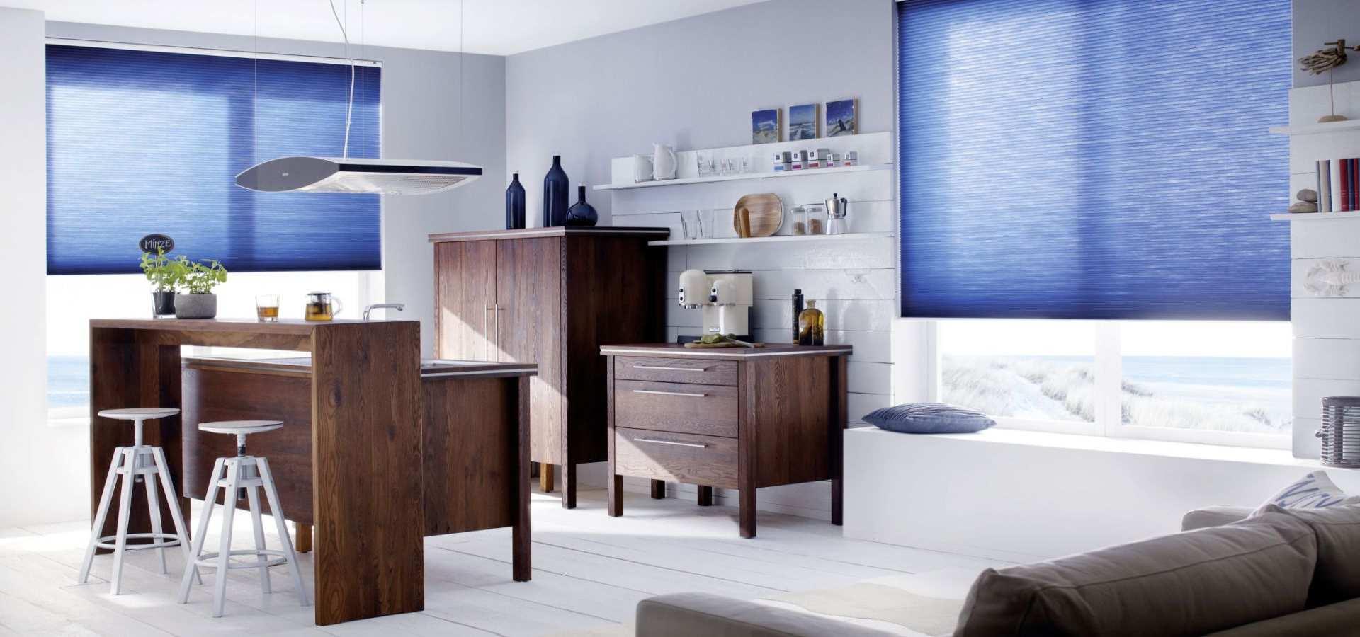 Bild Küche Duette Sonnenschutz PlisseeRollos blau