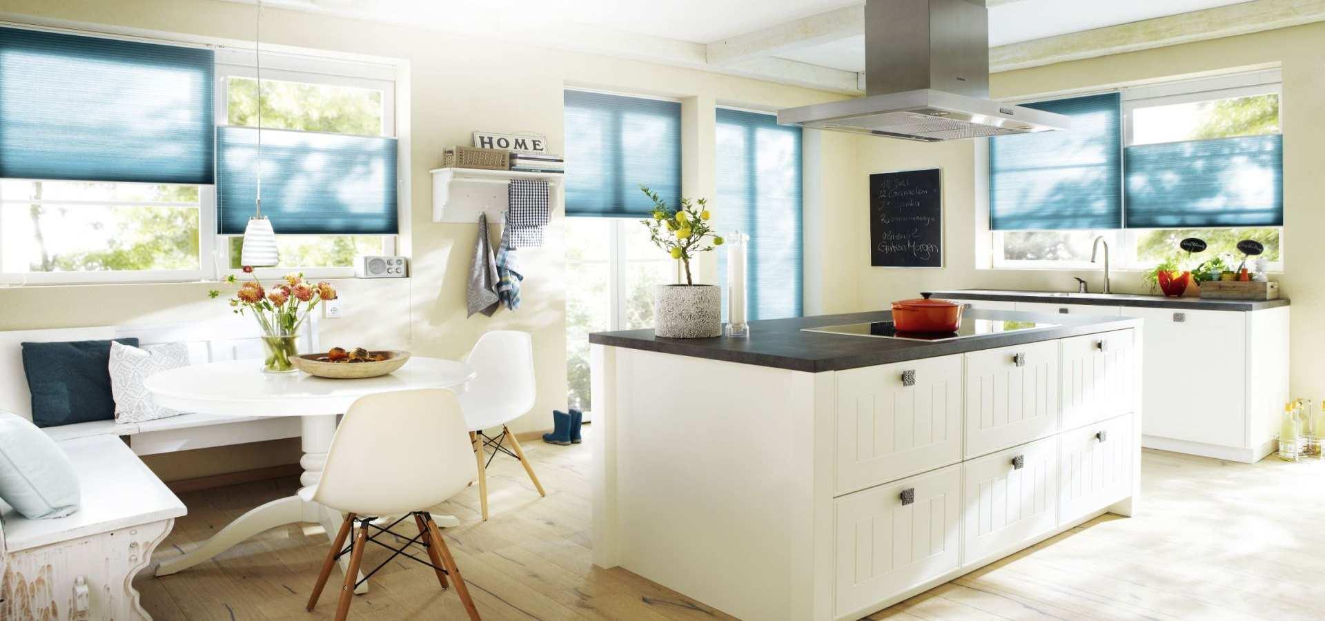 Bild Küche Plissees Duette blau farbverlauf